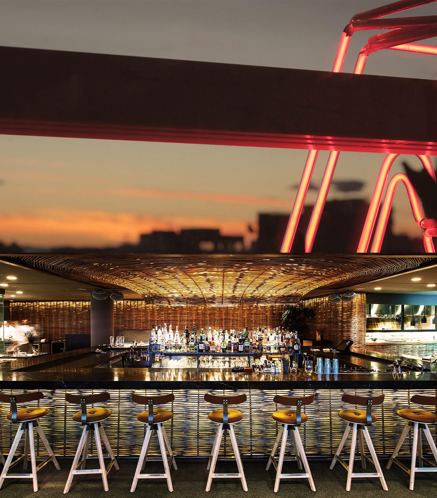 Hytra Restaurant & Bar